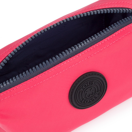 Medium fuchsia colored Doromy Toiletry bag